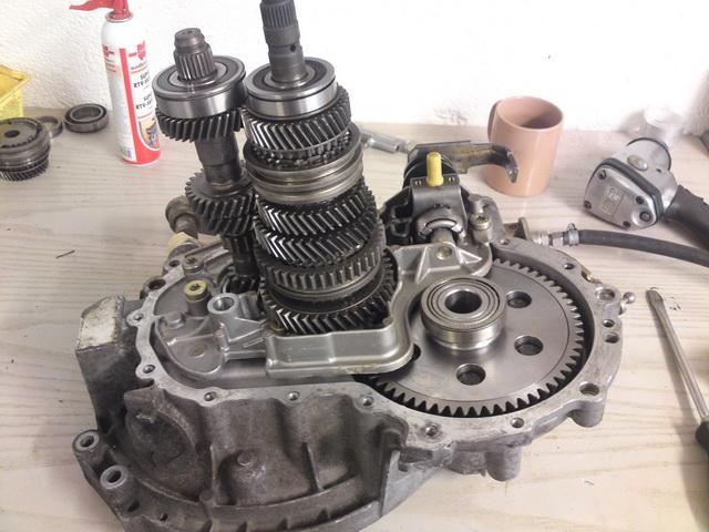 gearbox01.jpg.b60bc99529209a350f8dfcdeed193ba2.jpg